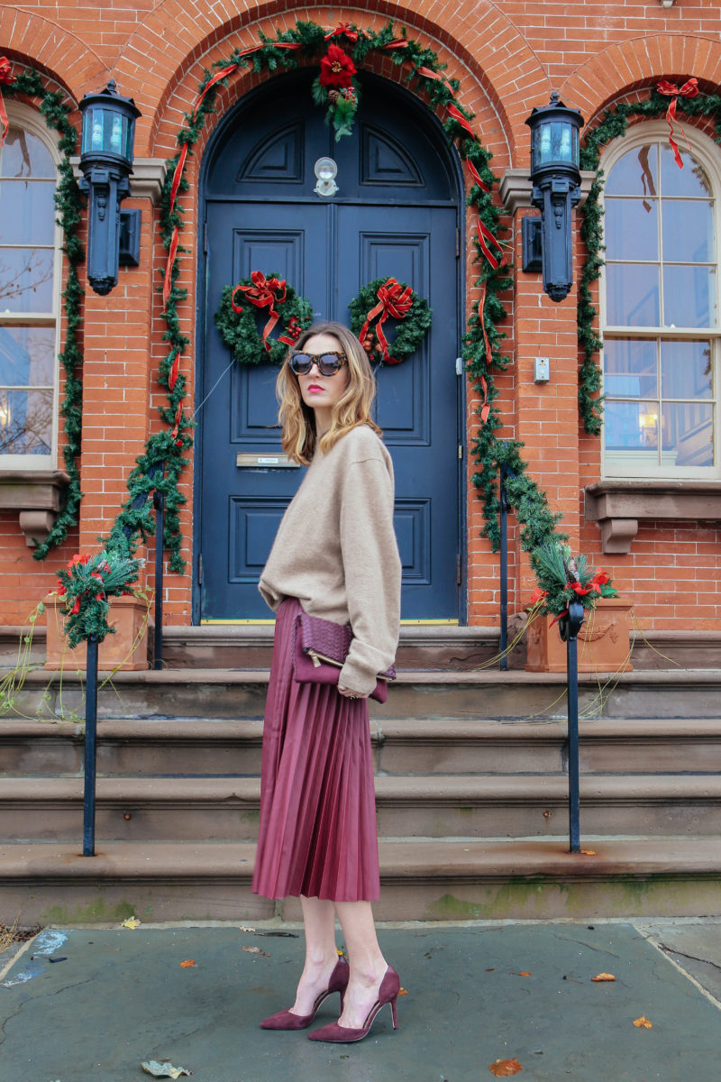 PLEATED MIDI SKIRT AND CASHMERE SWEATER