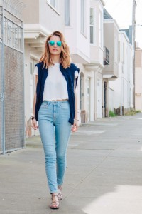 HIGH RISE DENIM AND CROPPED WHITE TEE