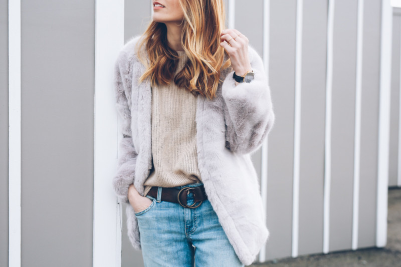 FAUX FUR COAT AND BOYFRIEND JEANS