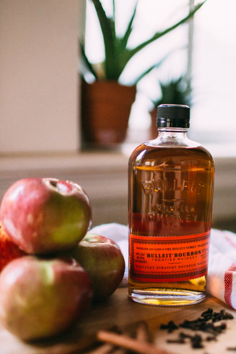 Easy Weekend Cocktail: Apple Hot Toddy Recipe