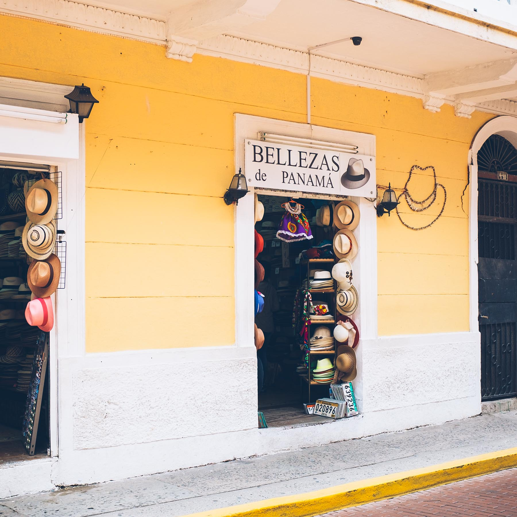 Shopping for Panama Hats in Casco Viejo
