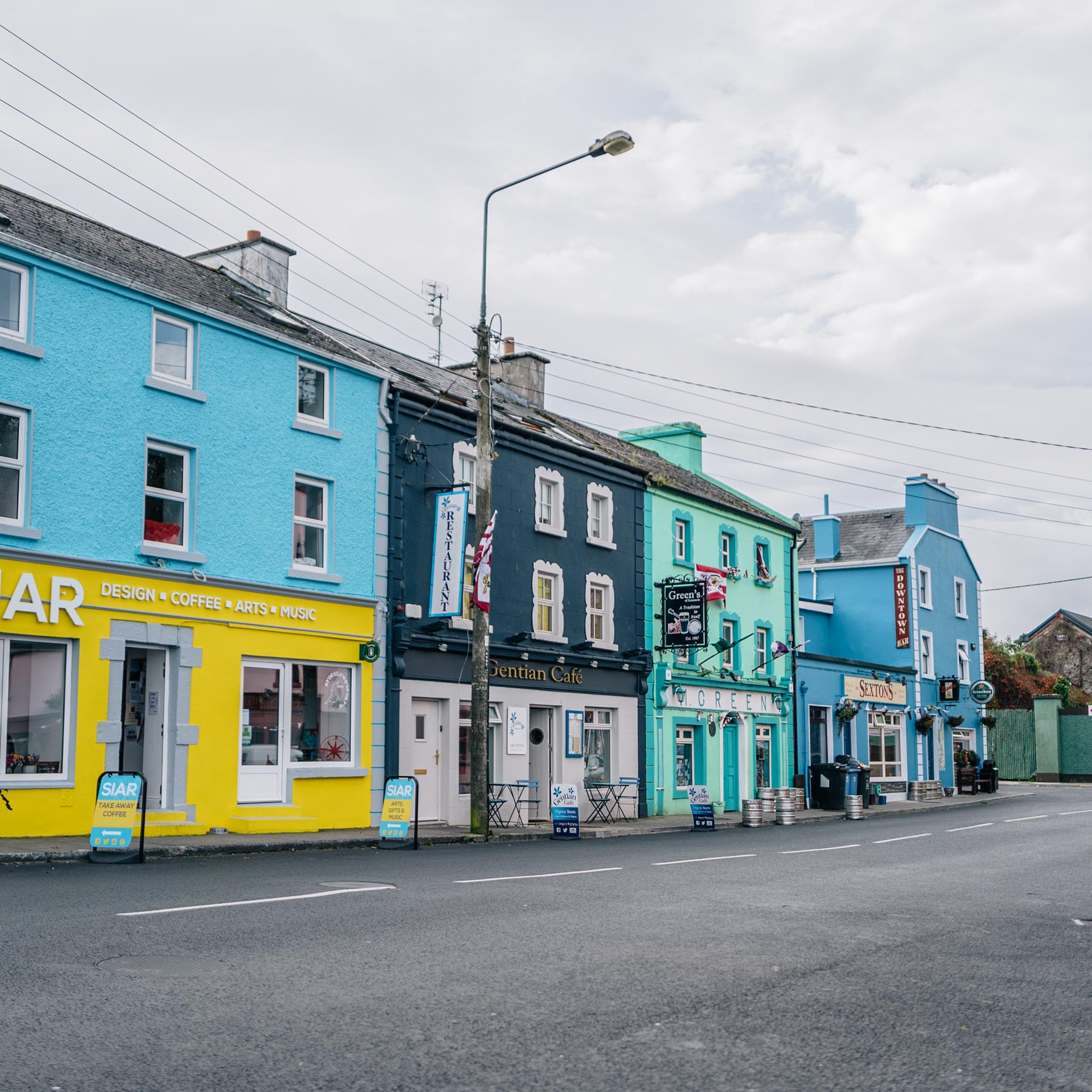 Ireland Road Trip Travel Diary, Pubs and Cafes in Kinvarra