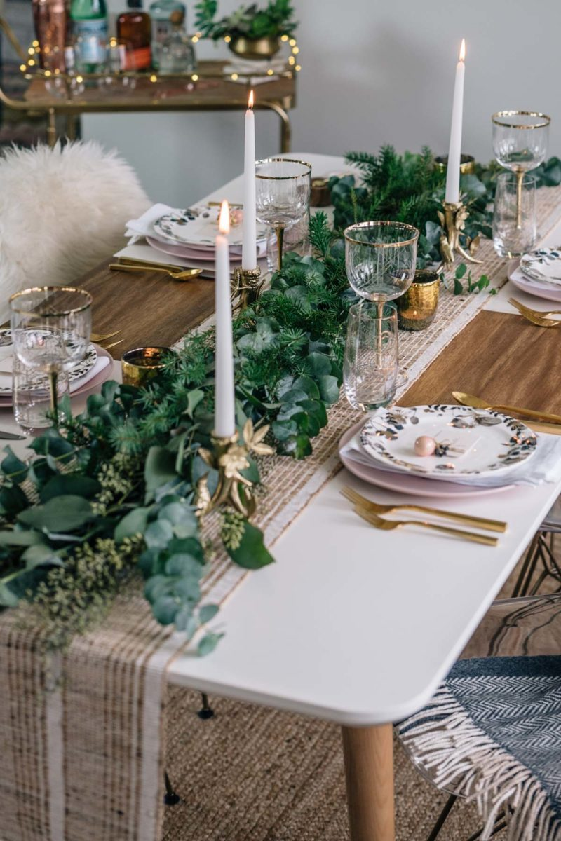 Holiday Tablescape Inspiration: Rustic, Cozy, Minimal