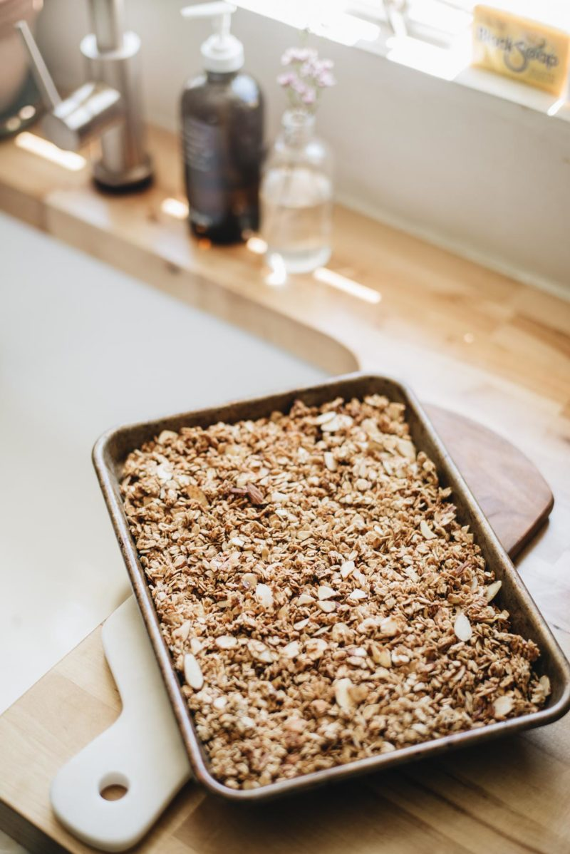 Quick and Easy Homemade Granola Recipe