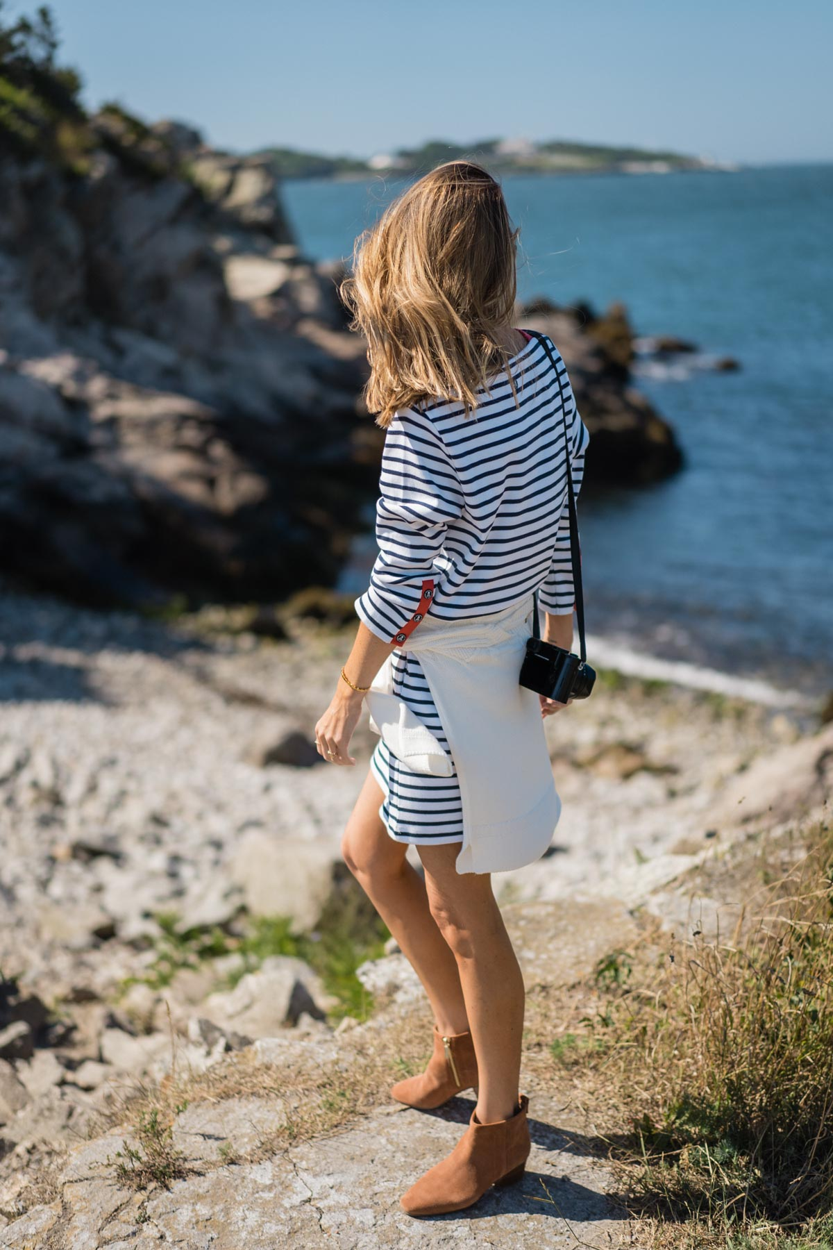 Jess Ann Kirby spends the weekend in Rhode Island in the Barbour Coastal Collection stripe dress