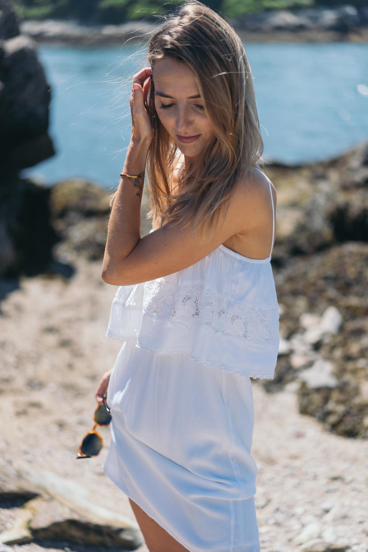 Jess Ann Kirby heads to the beach in an LSpace Jaclyn Cover up Dress