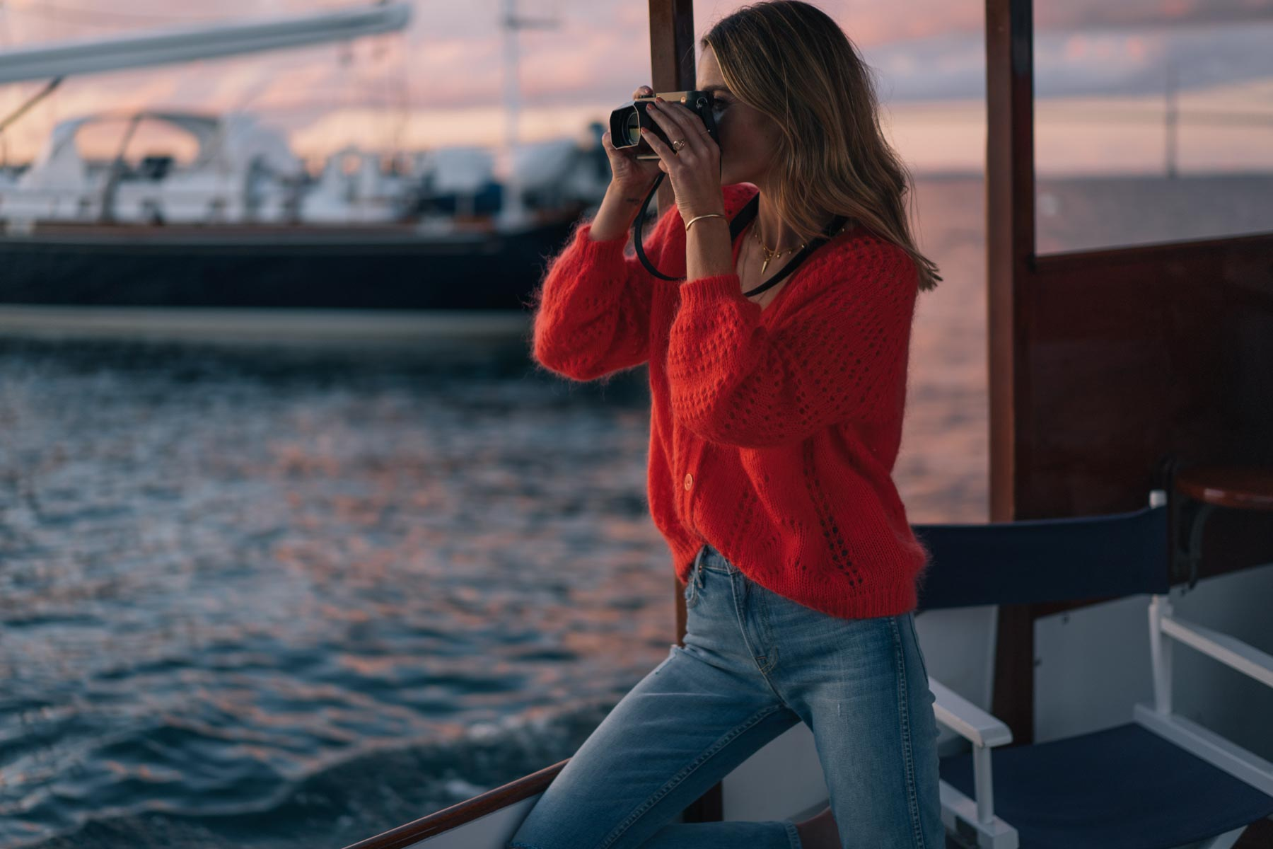 Jess Ann Kirby shoots the Newport sunset with a LeicaQ camera